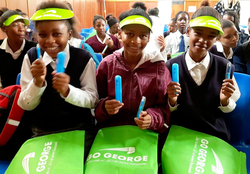 Heatherlands High School girls learns about GO GEORGE routes